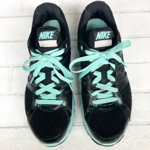 Nike Relentless 2 Black and Mint Green Sneaker
